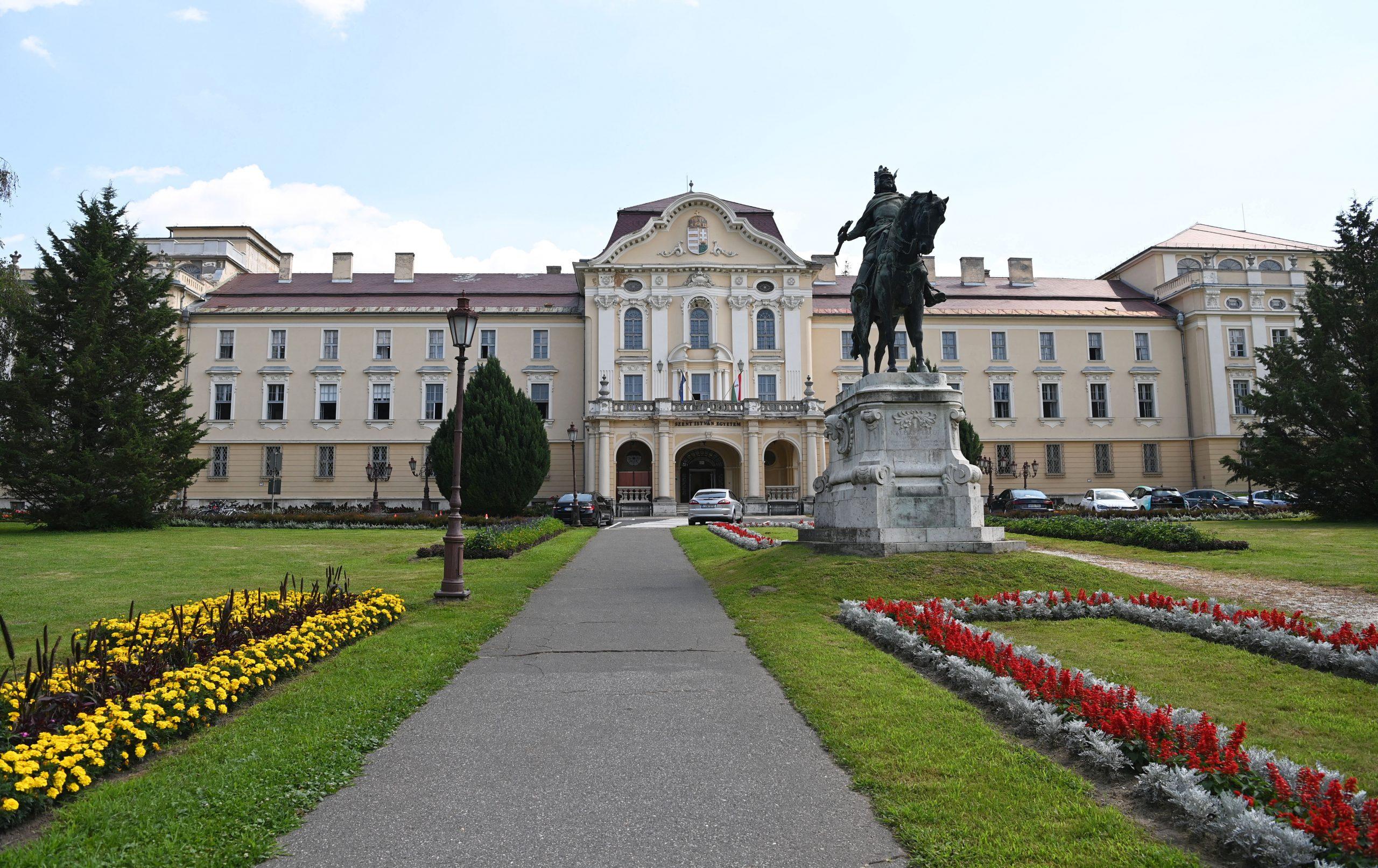 Landwirtschaftliche Universität wird von einer Stiftung betrieben