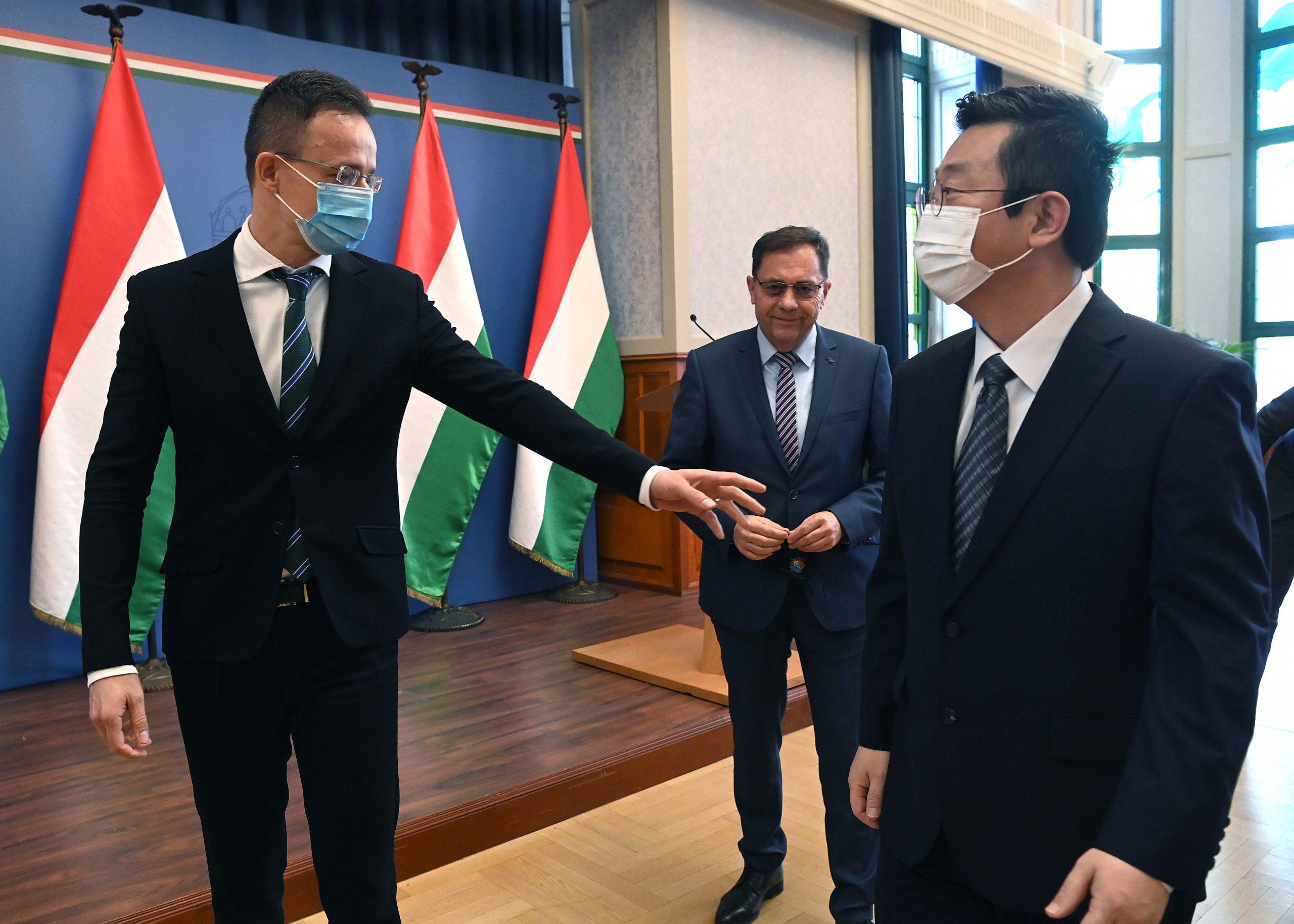 Sangsin investiert 10,5 Mrd. HUF in die Erweiterung der ungarischen Basis