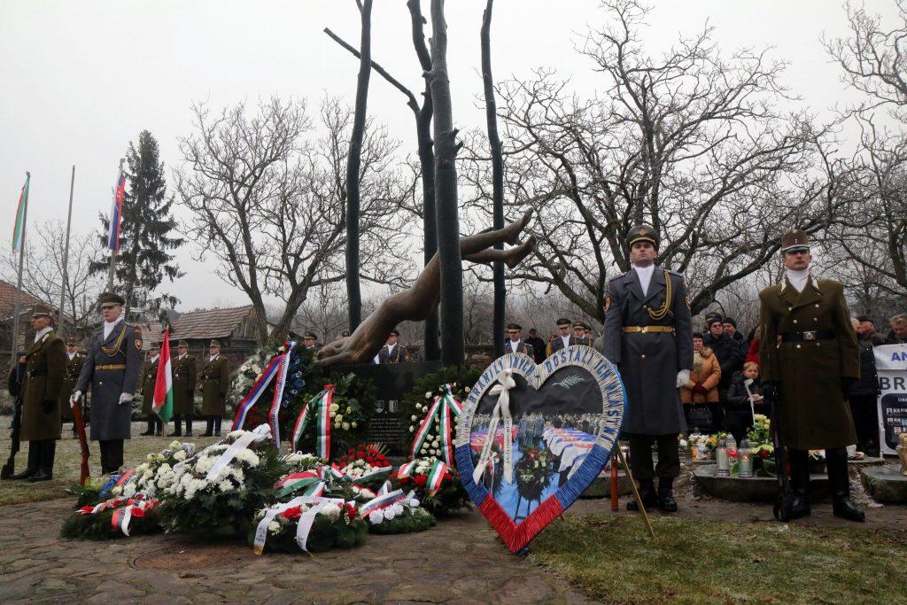 15. Jahrestag des Absturzes eines slowakischen Militärflugzeugs in Ungarn