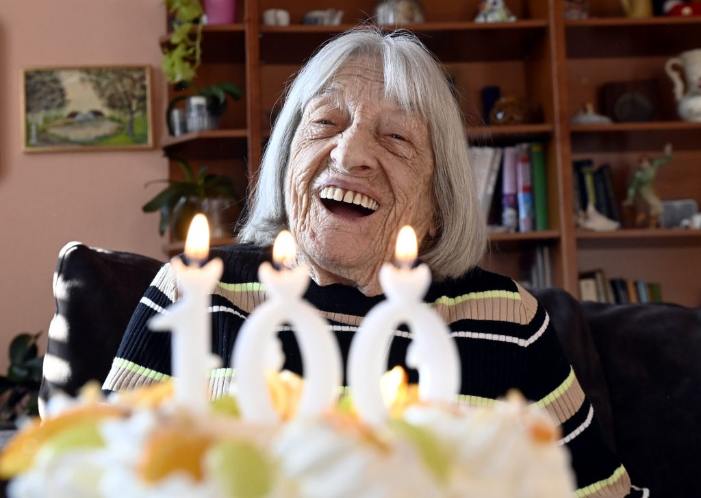Fünfmalige Olympiasiegerin Ágnes Keleti feiert den 100. Geburtstag