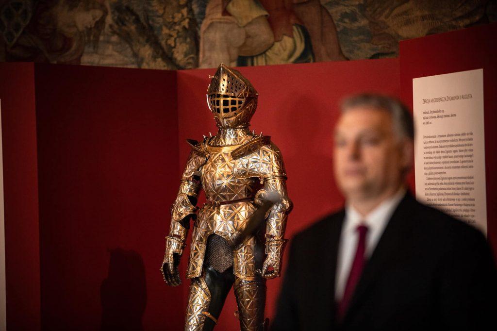 Ungarn gibt Kinderrüstung von König Sigismund II. an Polen zurück