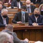 Parlament verlängert Corona-Notstand bis zum 1. Januar