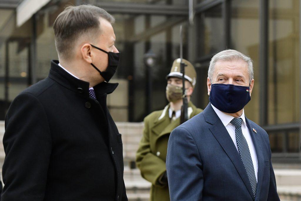 Ungarn und Polen unterzeichnen militärisches Kooperationsabkommen