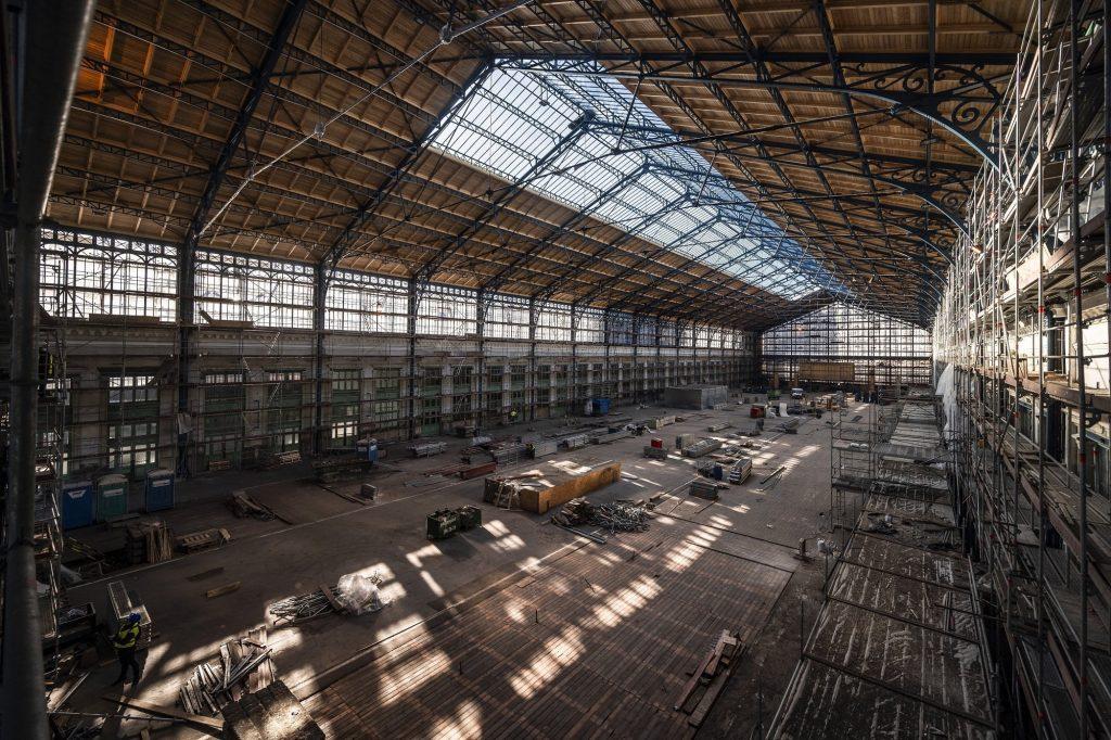 Die Bauarbeiten an der Dachkonstruktion des Nyugati Bahnhofs sind abgeschlossen