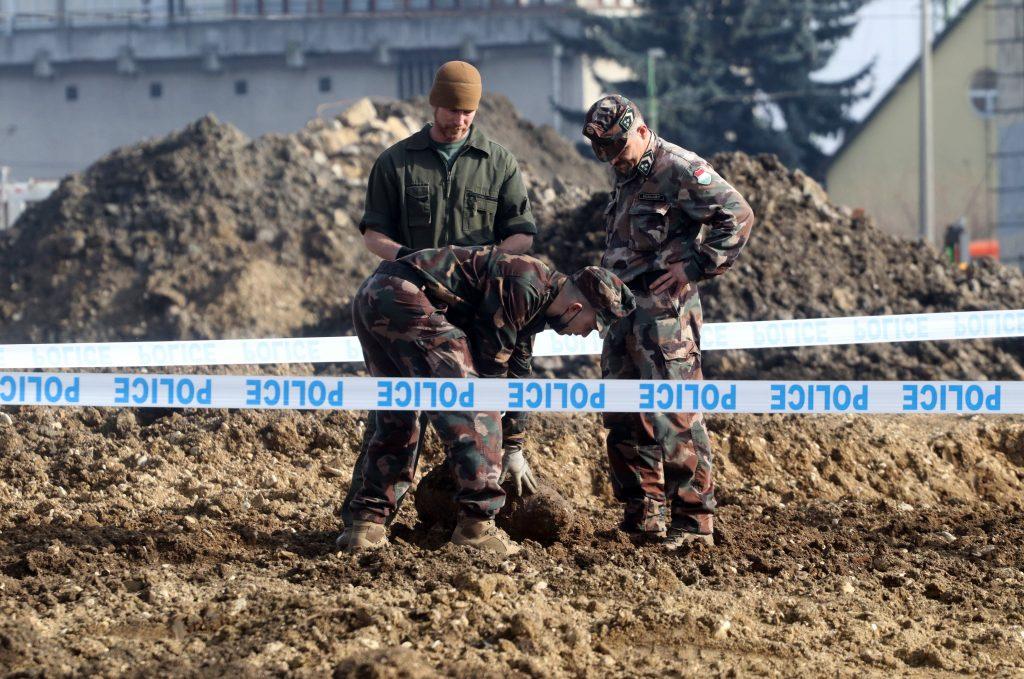 100 kg schwere Fliegerbombe aus dem II. Weltkrieg in Miskolc gefunden