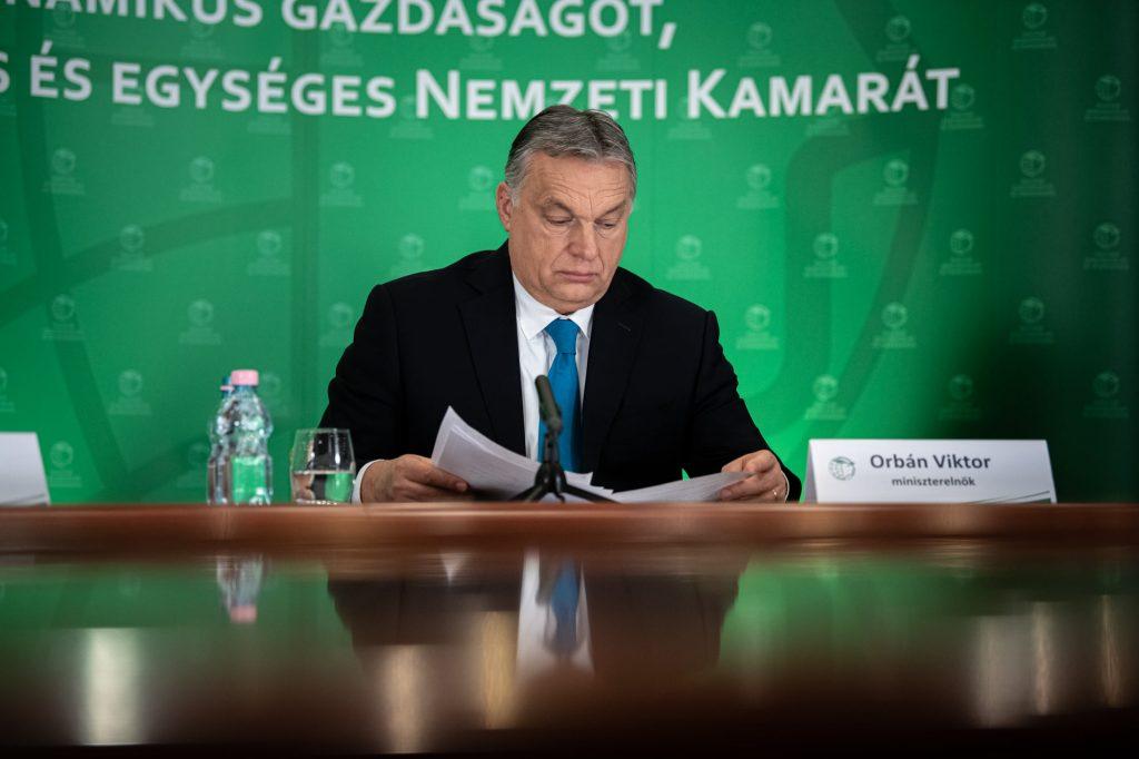 Orbán kündigt Nationale Konsultation über die Wiedereröffnung des Landes an