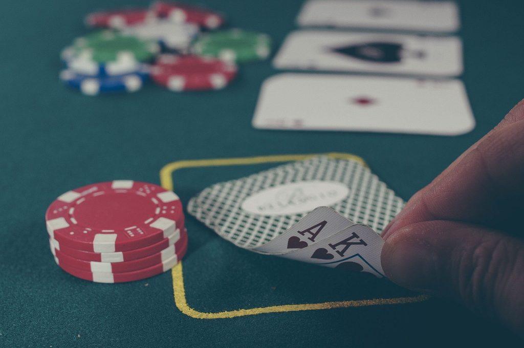 Regierung antwortet, warum Casinos geöffnet bleiben können