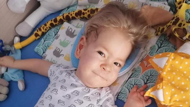 Familie sammelt erfolgreich 730 Millionen Forint für SMA-Therapie des Kleinkindes Zsombor