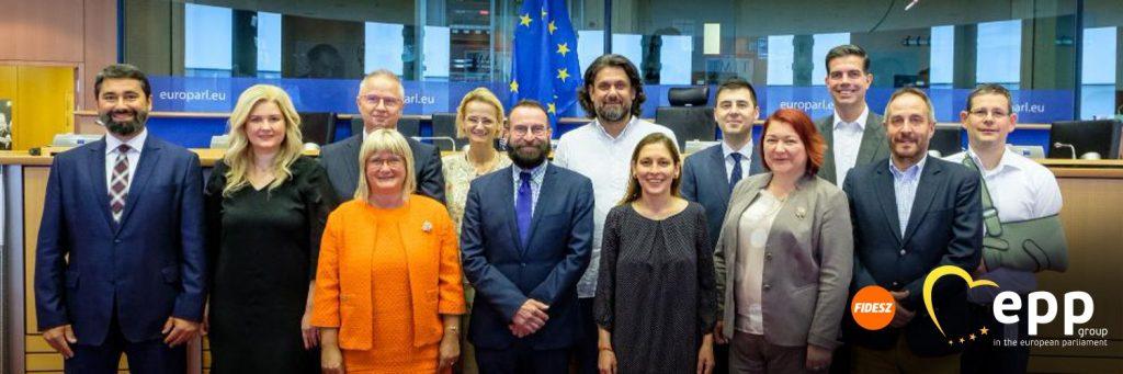 Budapost: Fidesz verlässt EVP-Fraktion post's picture