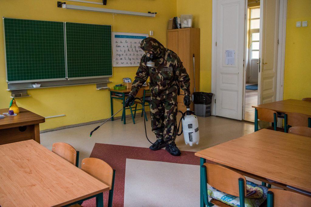 Schulen sollen nach Ostern wieder eröffnen: Lehrer protestieren, keine Impfpriorität zu erhalten post's picture
