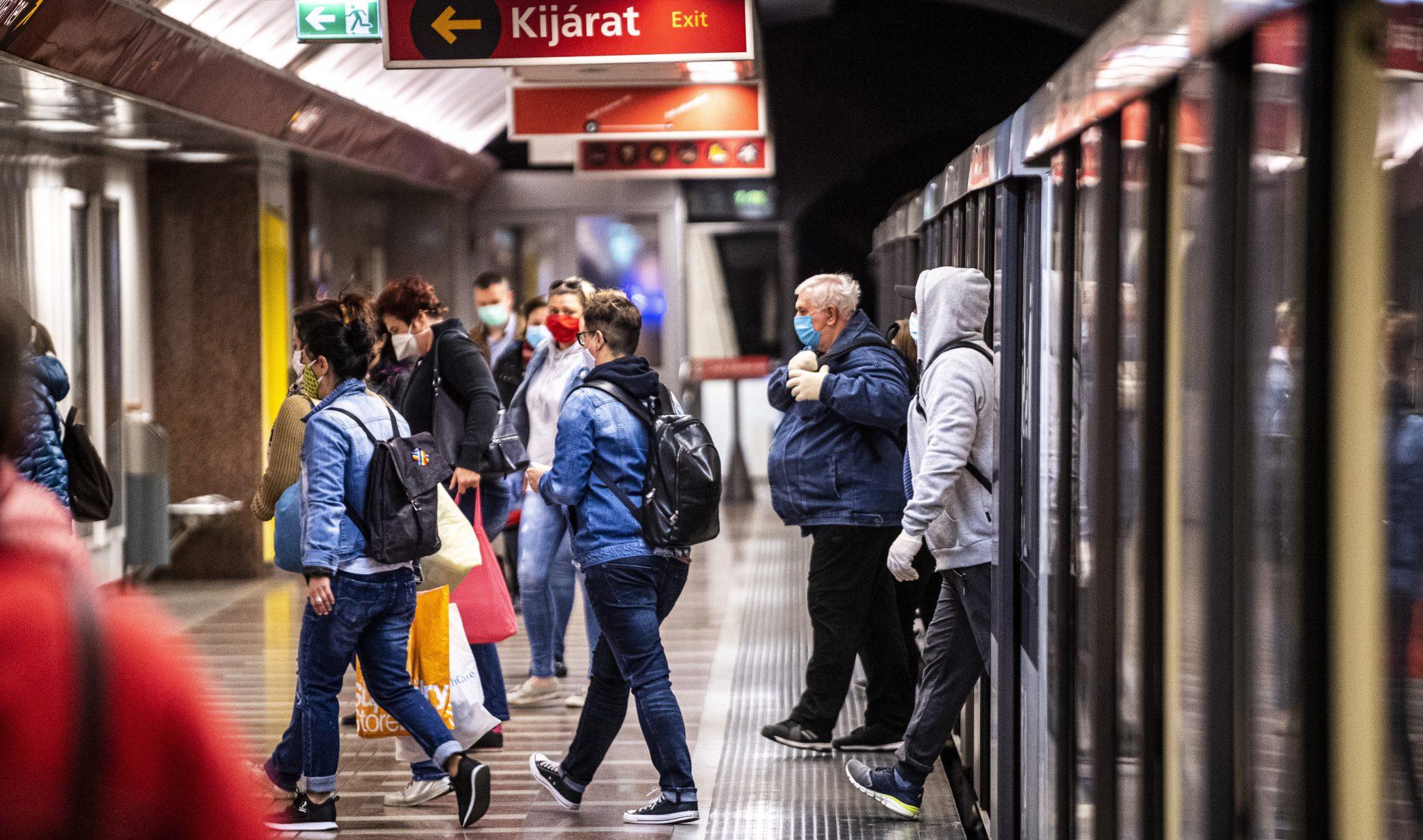 Wird die U-Bahn-Linie 2 wegen großer Anzahl von Infektionen stillgelegt?
