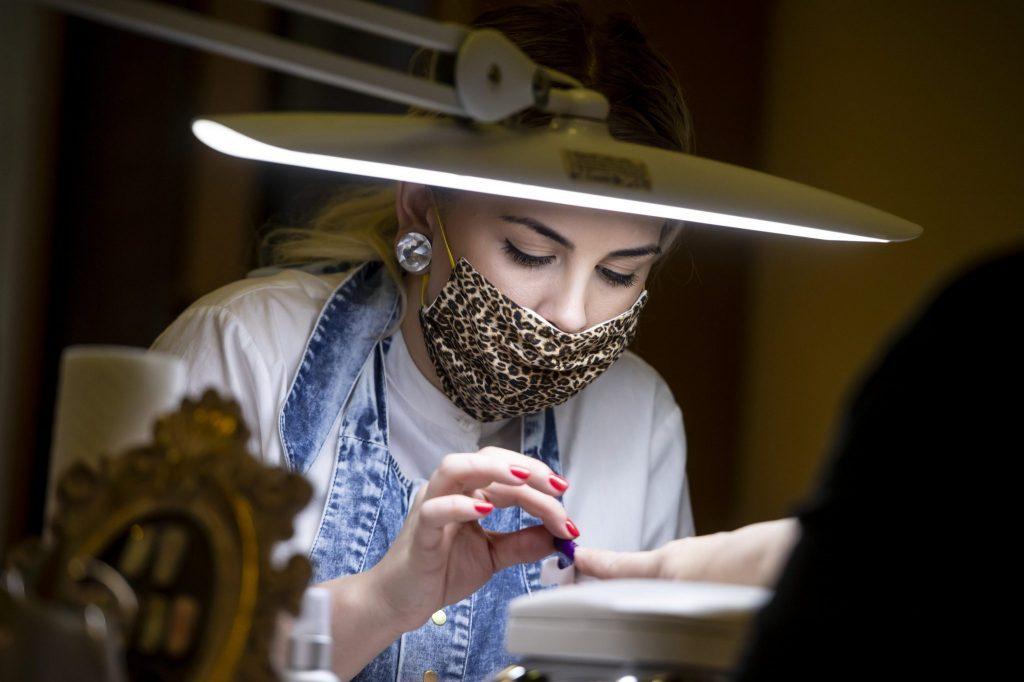 Coronavirus: Schönheitsindustrie kämpft, will Wiedereröffnung
