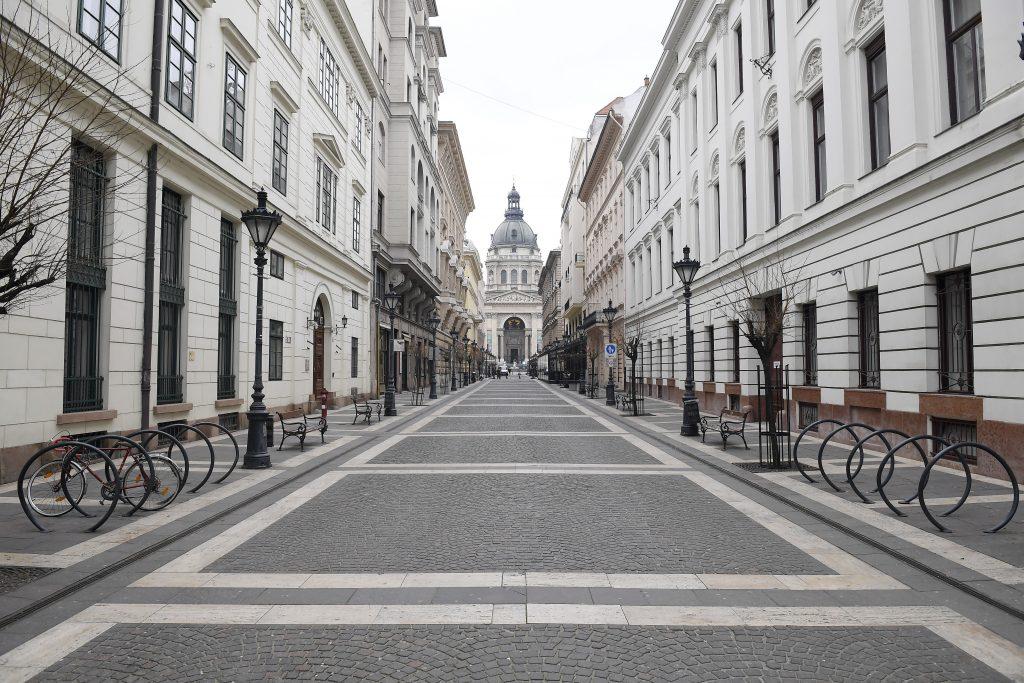 Ungarn führt kompletten Lockdown ein