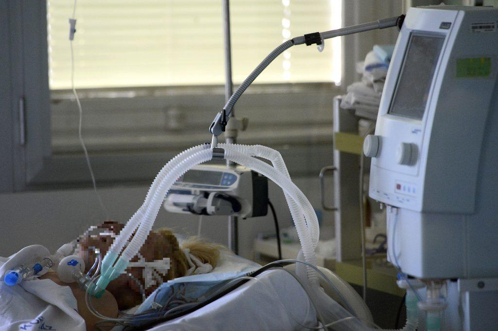 Coronavirus: Immer mehr Personal für die Behandlung der COVID-Patienten notwendig