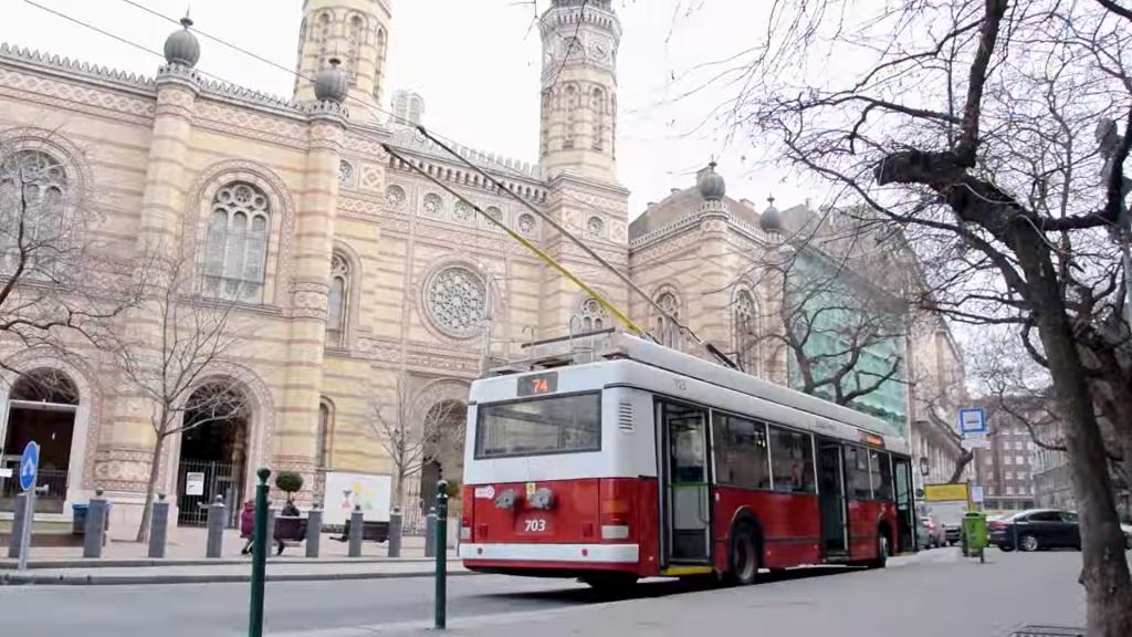 Schweigeminute in Budapest – Bürgermeister bittet um weitere Geduld post's picture