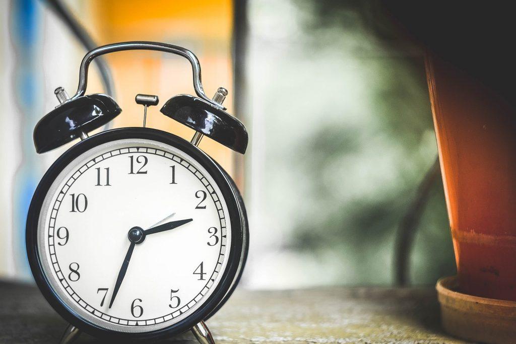 Umstellung der Uhren auf Sommerzeit am Sonntag
