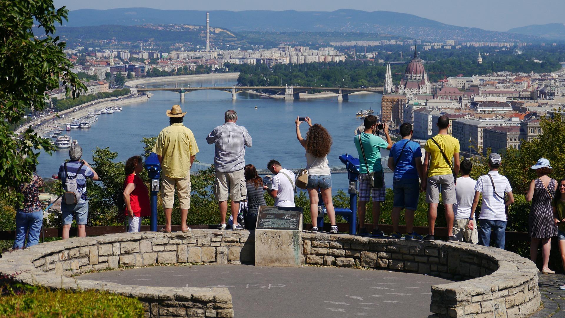 Tourismus in Ungarn: Ausländer gaben 2020 um 1 Billion Forint weniger aus
