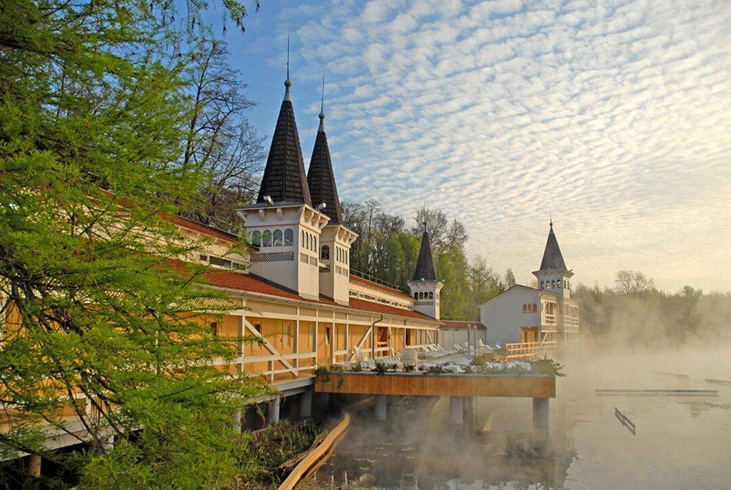 Gebiet um den Hévíz-See wird erneuert – FOTOS!