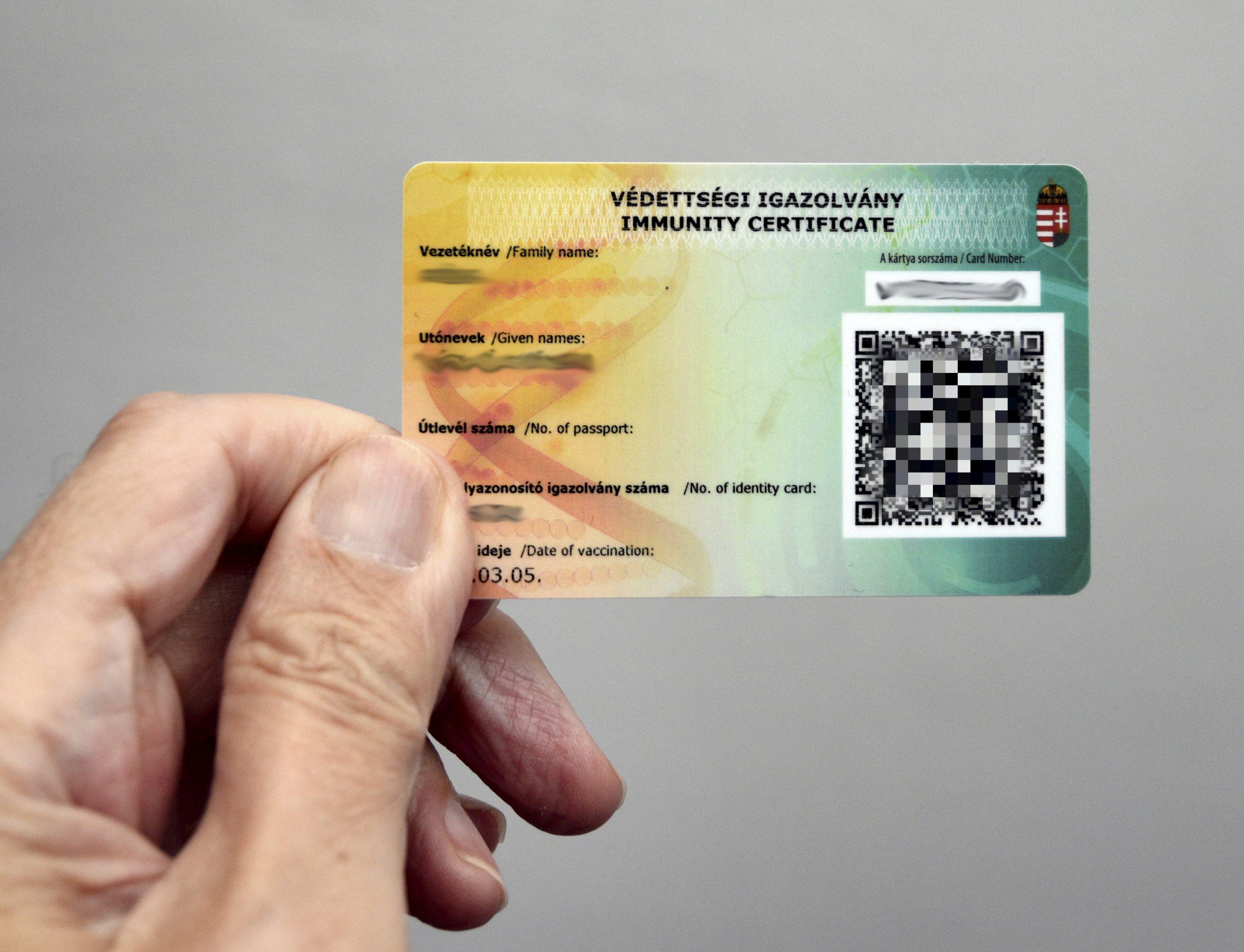 Kein Anspruch auf ungarische COVID-Schutzkarte für im Ausland geimpfte Personen