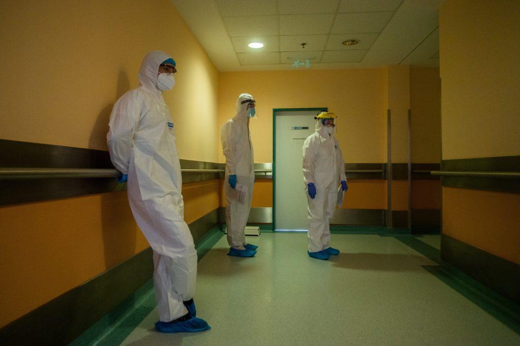 Corona am Samstag: 8053 Neuinfektionen, 245 Tote