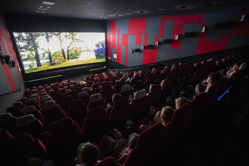 """Chefinfektiologe: """"Eröffnung von Theatern und Kinos wäre verfrüht und riskant"""""""