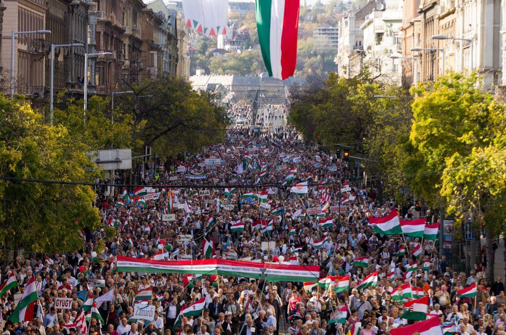 """""""Friedensmarsch"""" zur Unterstützung der Orbán-Regierung geplant"""
