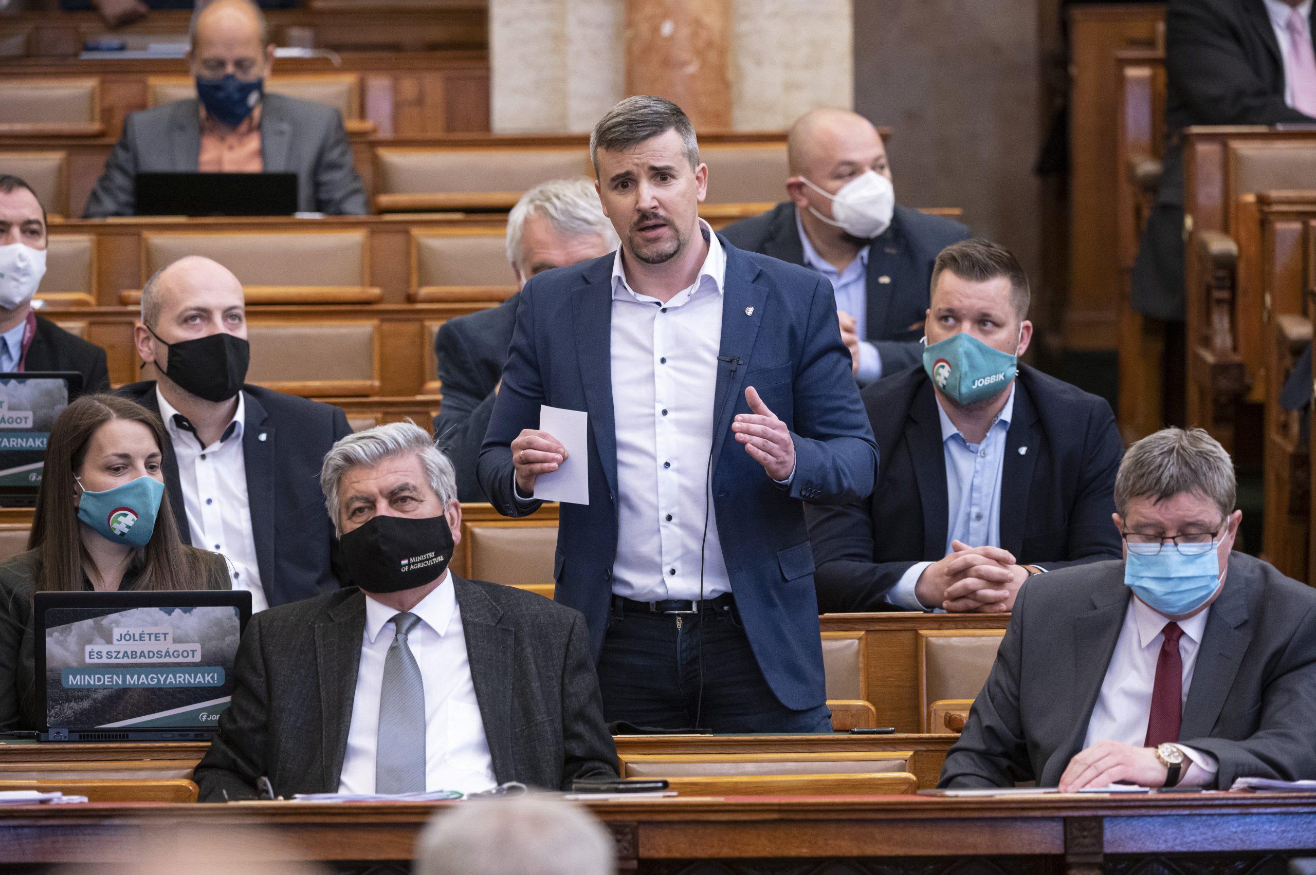 Ungarischer Oppositionspolitiker erhielt Rekordstrafe im Parlament