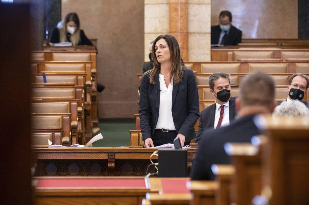 Budapost: Debatte über Verfassungskorrekturen geht weiter post's picture