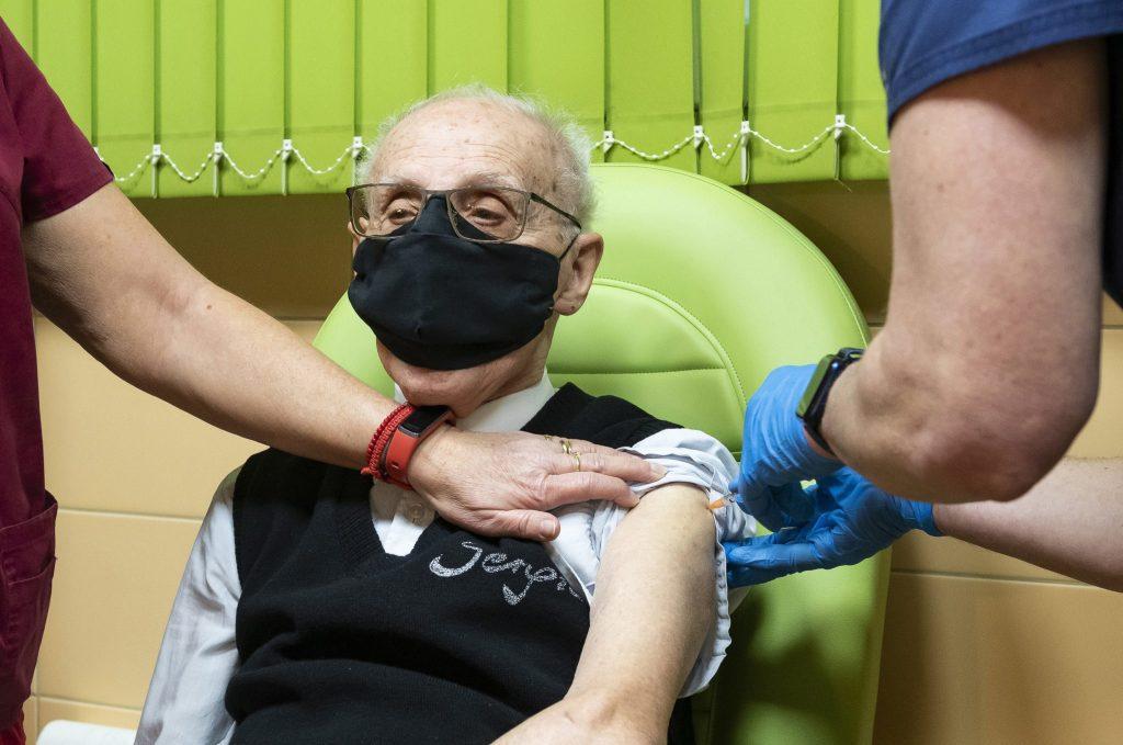 Budapester Altenpflegeheime erreichen Herdenimmunität dank Impfungen