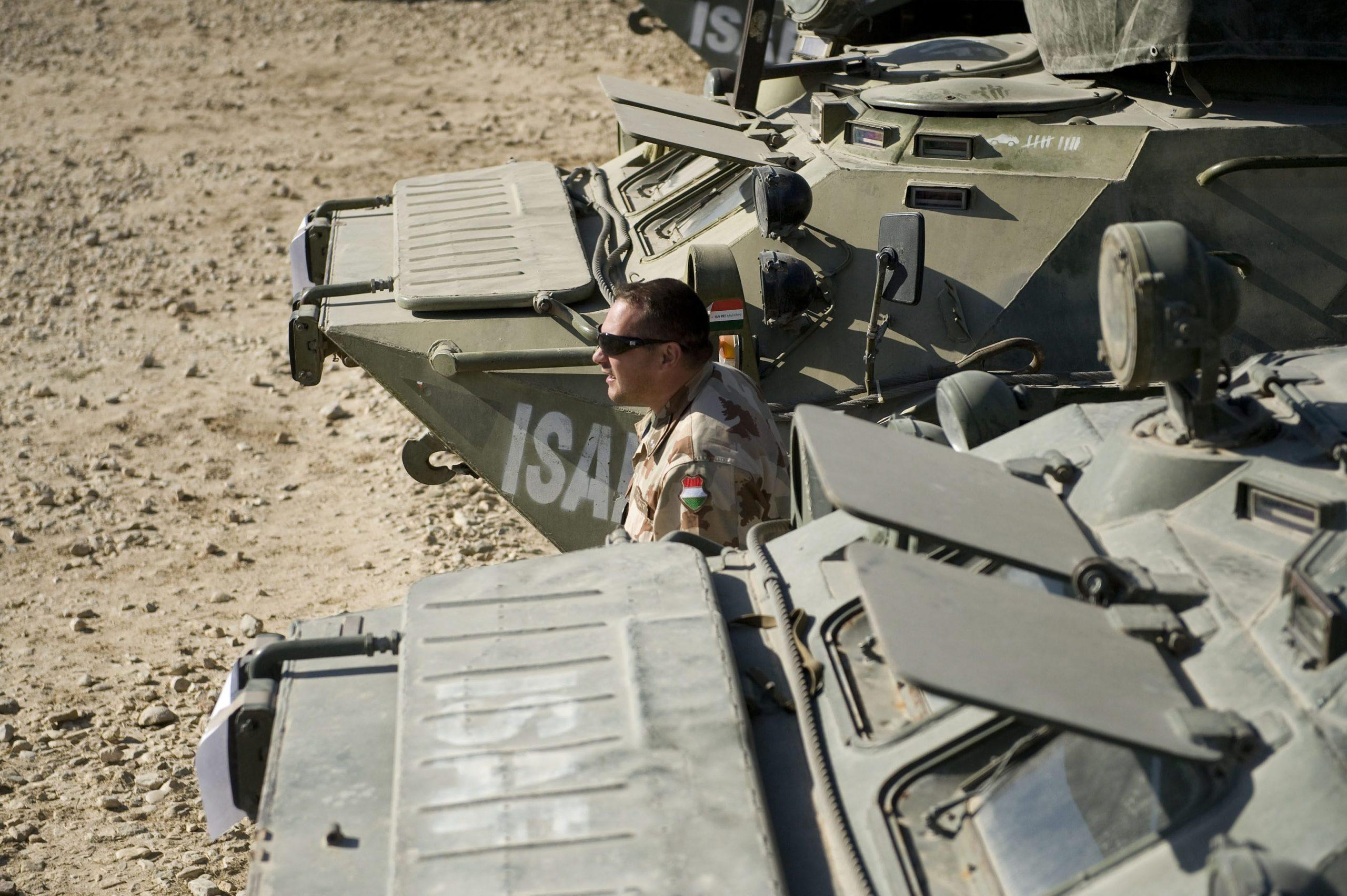 Außenminister: Ungarn soll der NATO-Entscheidung über den Abzug der afghanischen Truppen nachkommen