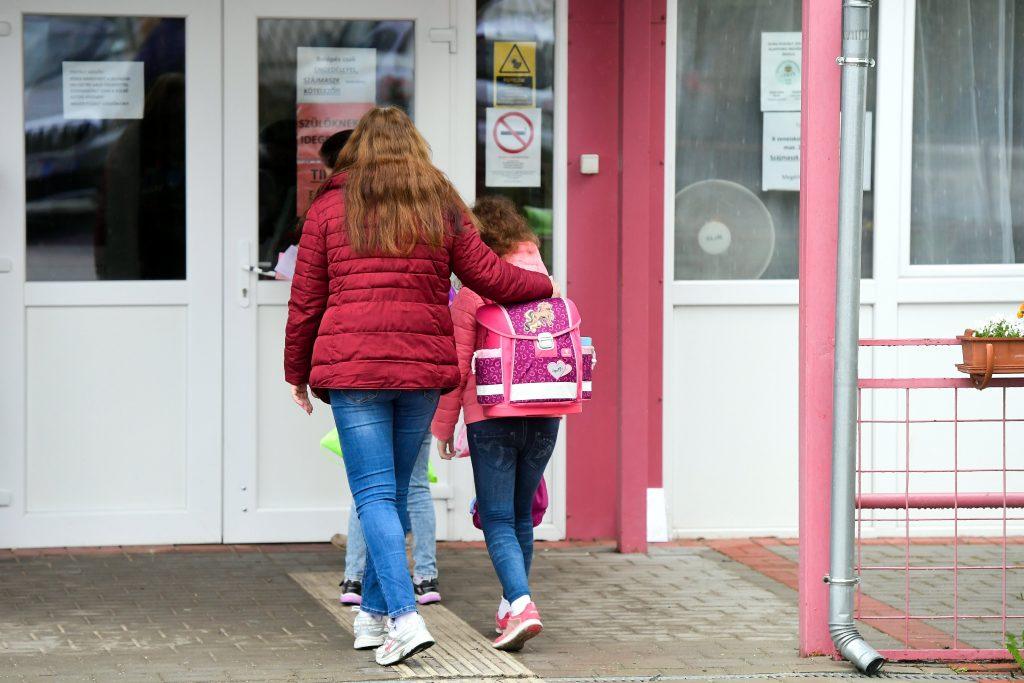 75 Prozent der Schulkinder kehrten in die Schulen zurück