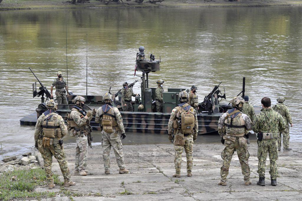 Ungarn – USA: Gemeinsame Militärübung auf der Donau