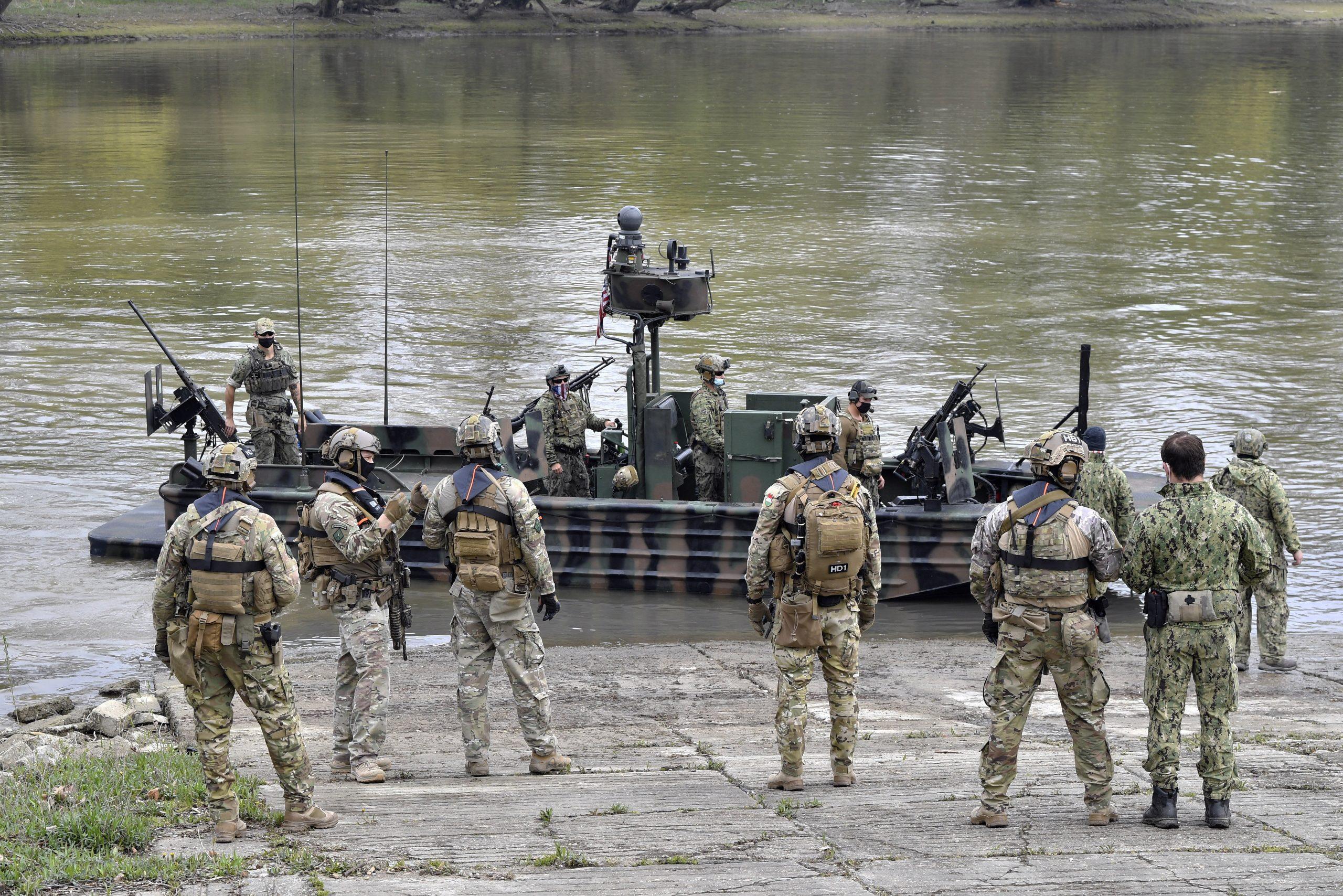 Militärische Übung