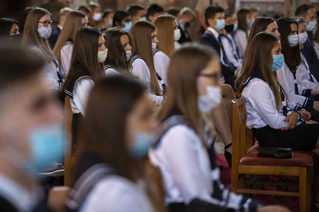 Impfung von 16-18-Jährigen beginnt in Ungarn