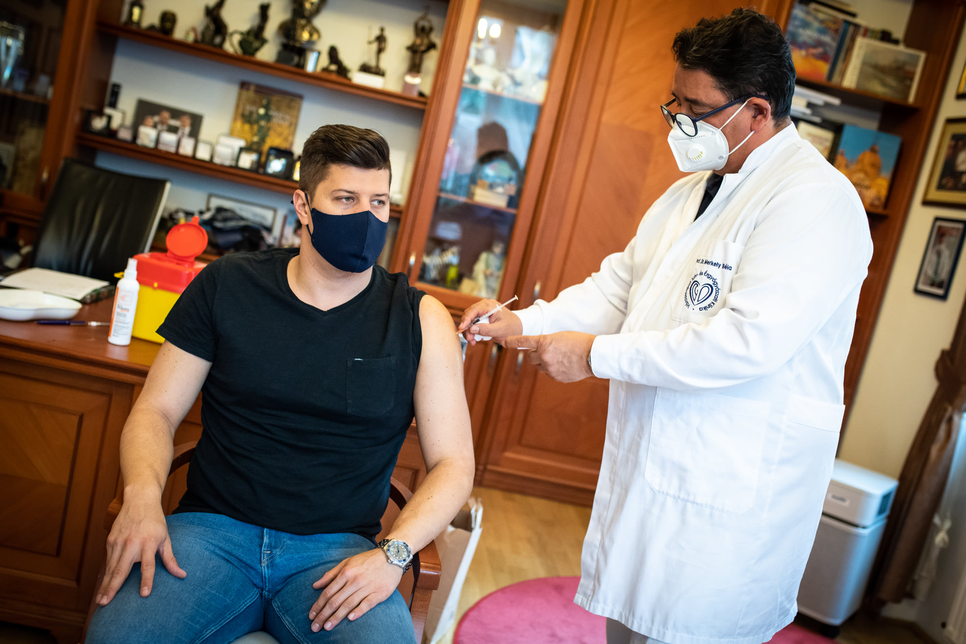 Coronavirus: Ungarische Prominente machen Werbung für die Impfung