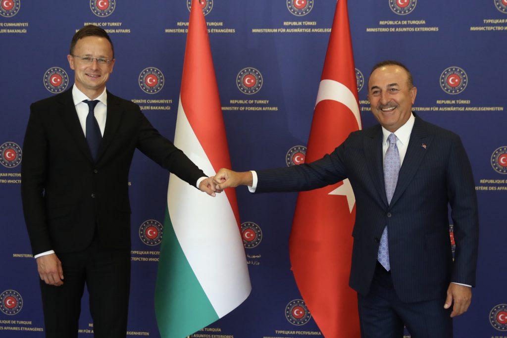 Budapost: US-Bericht vergleicht Ungarn und Polen mit der Türkei