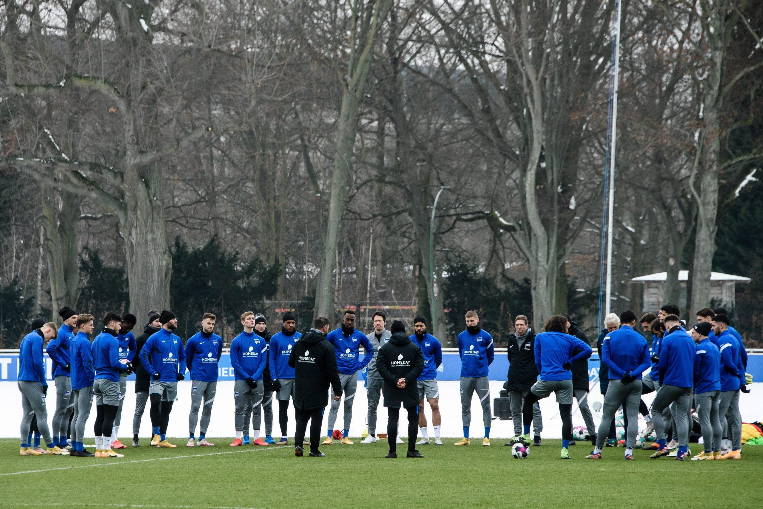 Torwarttrainer Petry wegen Kritik an Regenbogenfamilien und Migration aus Hertha gefeuert