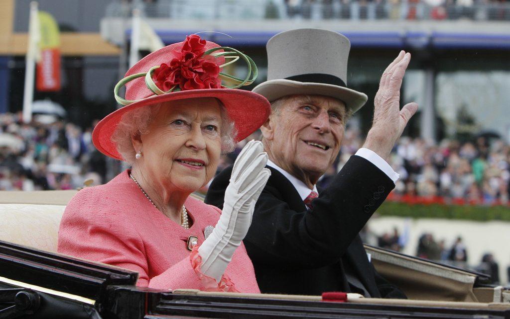 Präsident Áder sendet Beileid an Elizabeth II.