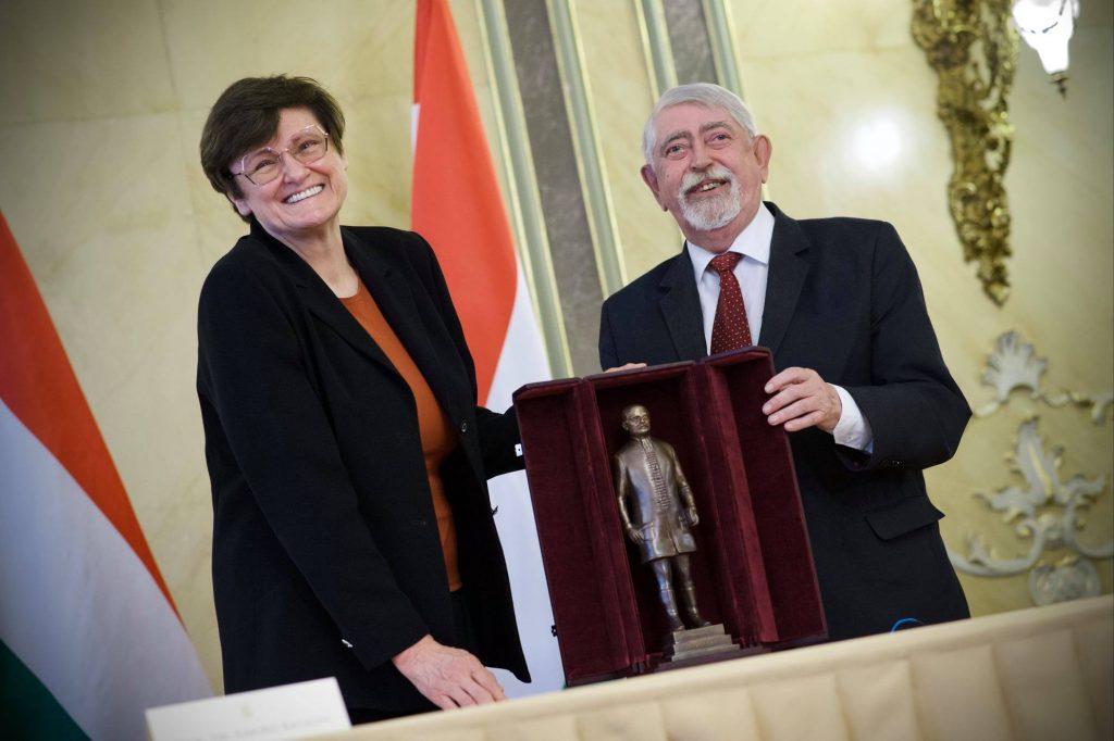 Biochemikerin Karikó erhält Semmelweis-Preis post's picture