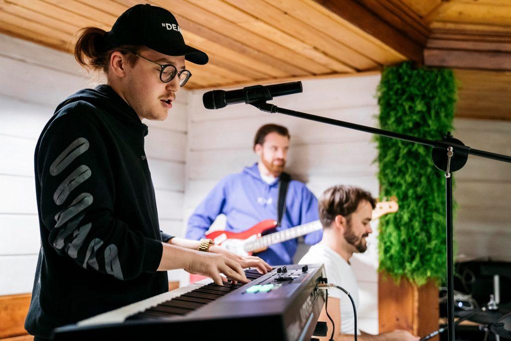 Budapest wird Gastgeber eines internationalen Songwriting-Camps sein post's picture
