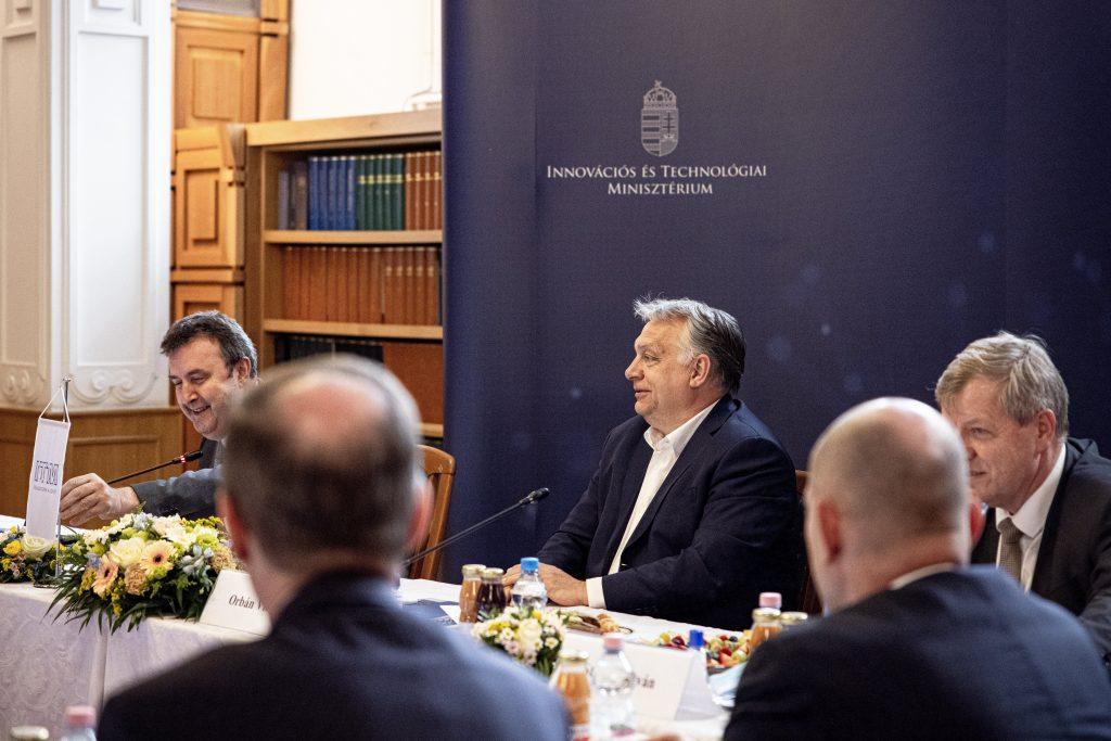"""Orbán über Modellwechsel: """"Ungarn erwartet von seinen Universitäten keine Mittelmäßigkeit, sondern Exzellenz"""""""
