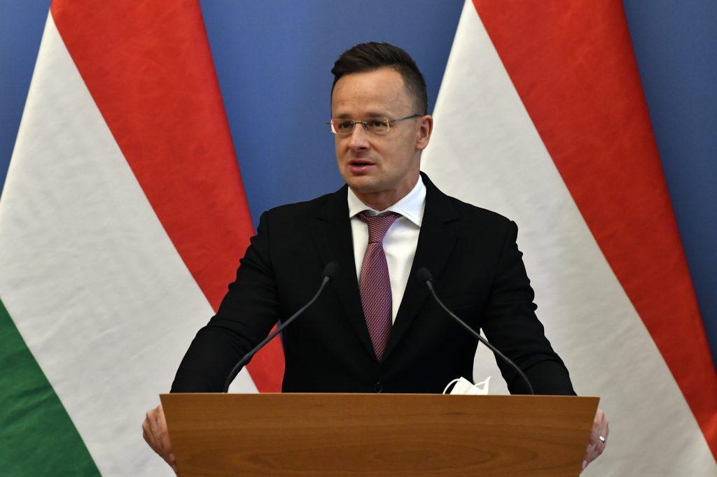 """Außenminister: UEFA-Sanktionen gegen Ungarn sind """"erbärmlich"""" post's picture"""