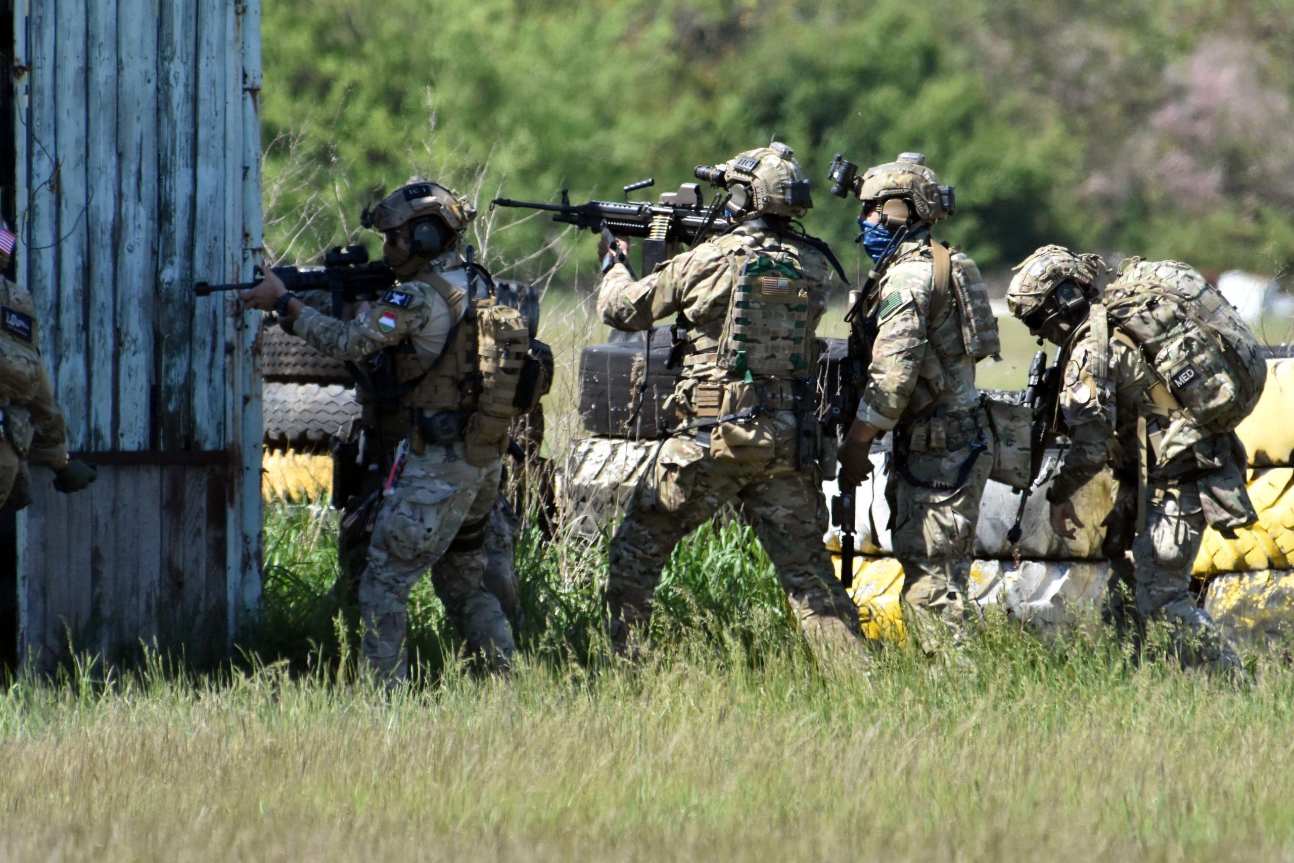 Spezielle militärische Übungen in Szolnok - FOTOS!
