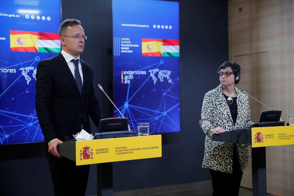 Außenminister lobt die Zusammenarbeit zwischen Ungarn und Spanien gegen Menschenschmuggel post's picture
