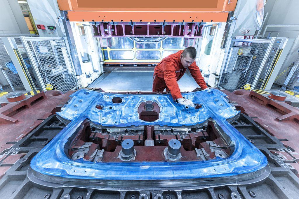 Audi Hungária baut Werkzeugwerk in Győr aus