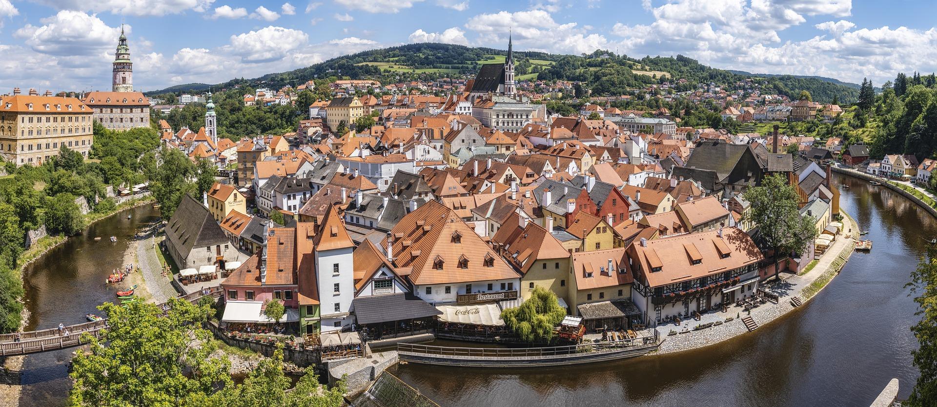 Ab Montag freie Einreise für Geimpfte aus Ungarn nach Tschechien