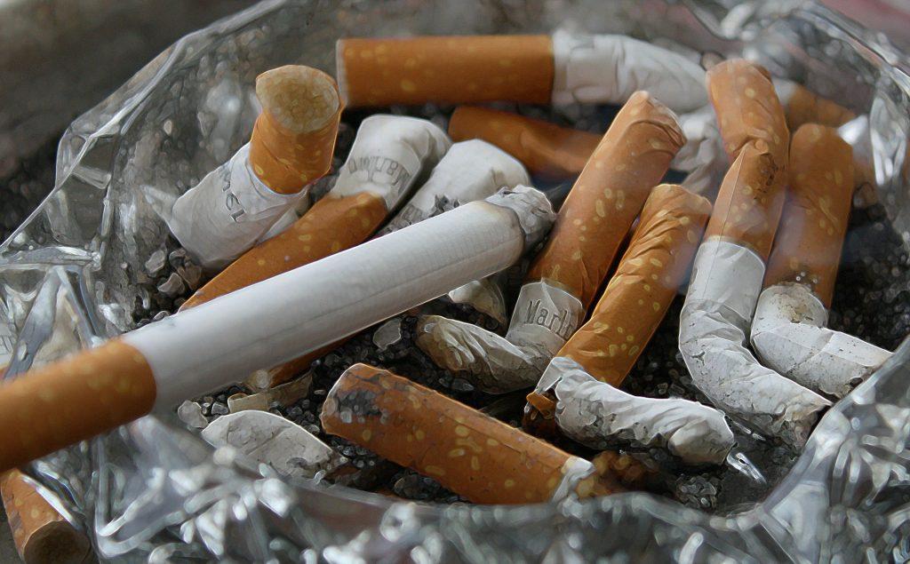 Zahl der ungarischen Raucherinnen, die an Lungenkrebs erkranken, steigt post's picture