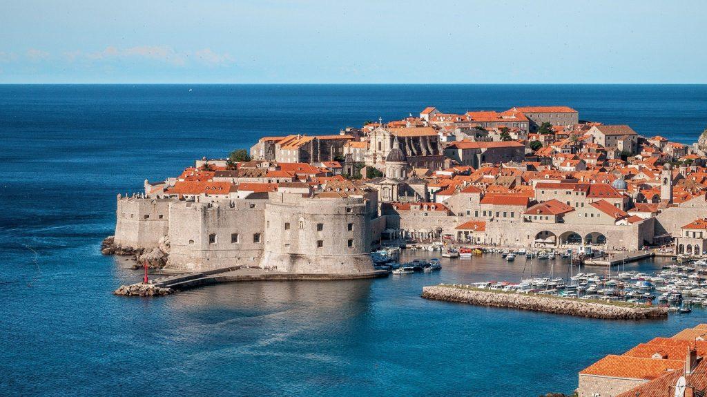 Ungarn können mit COVID-Schutzkarte nach Kroatien reisen