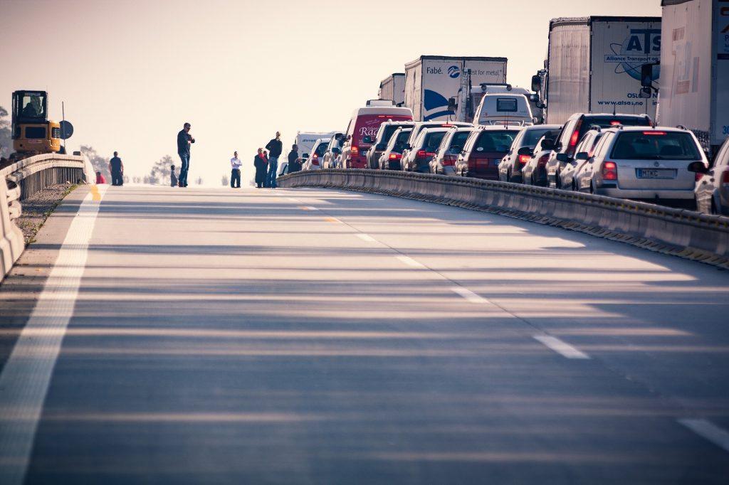 Nach Massenkarambolage Riesenstau auf Autobahnzubringer M3 post's picture