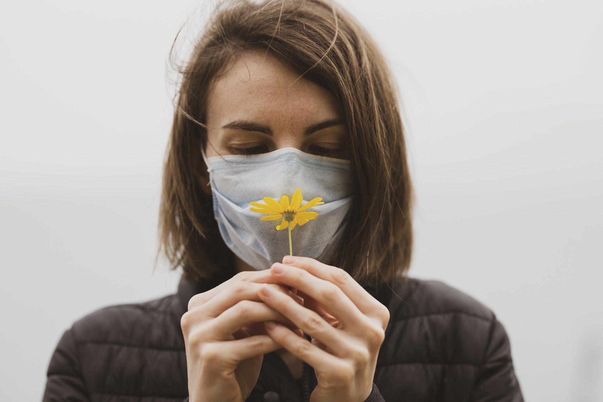 Semmelweis Universität bietet Post-Corona-Kranken Riechtraining an